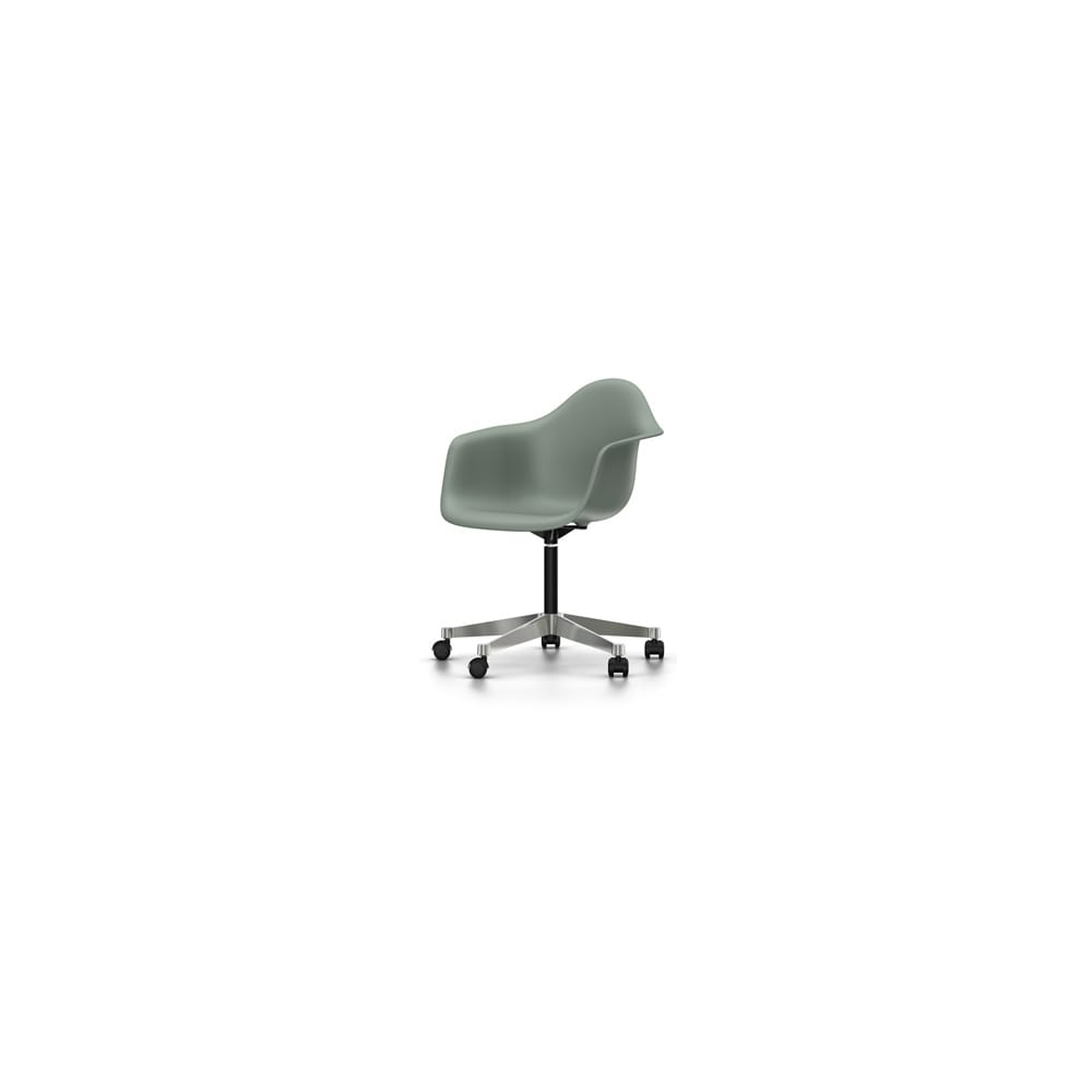 vitra eames pacc plastic armchair email a friend about vitra eames. Black Bedroom Furniture Sets. Home Design Ideas